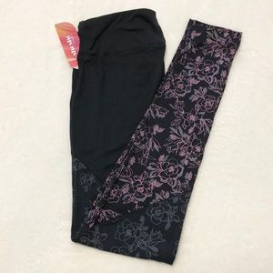 Black leggings with floral detail